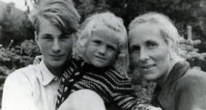 Friedrch, Sigrid and Aimee von Huene